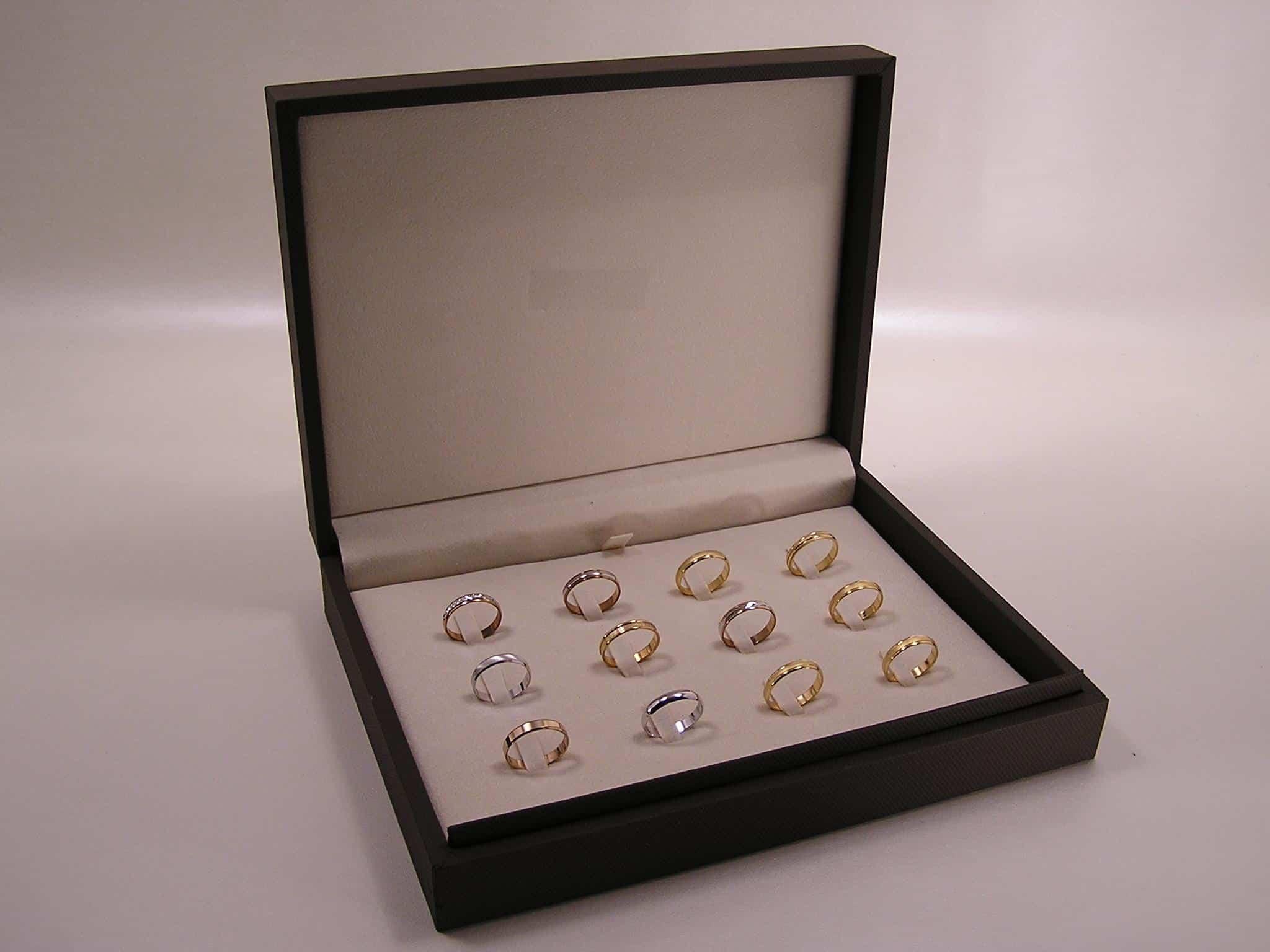 astucci per anelli